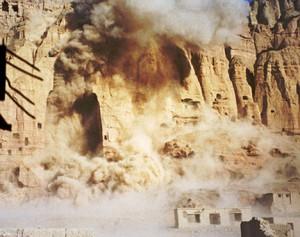 تخریب مجسمه بودا در بامیان توسط طالبان