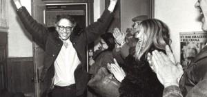 ساندرز جوان پس از اولین پیروزی انتخاباتی در سال ۱۹۸۱