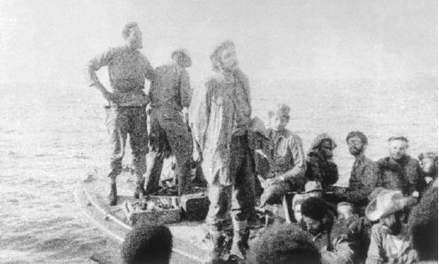 کمکهای نظامی کوبا همیشه با موفقیت همراه نبود. عملیات زئیر یکی از اقدامات ناموفق کوبا بود. عکس بالا خروج سربازان کوبایی از زئیر را نشان میدهد. چه گوارا در جلو به هنگام خروج از زئیر در نوامبر ۱۹۶۵